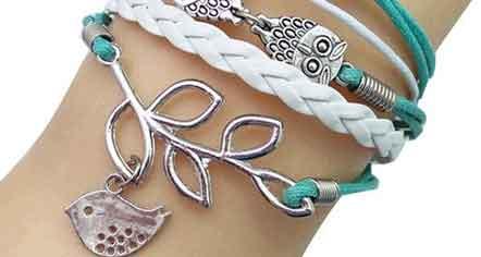 bracelets are women's favorite jewelry